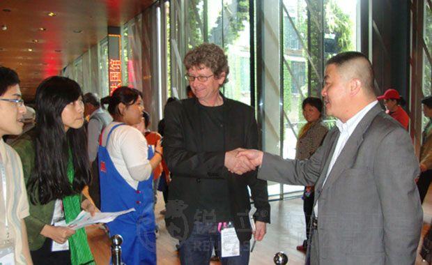 上海世博会法国馆锐立公司负责现场指导