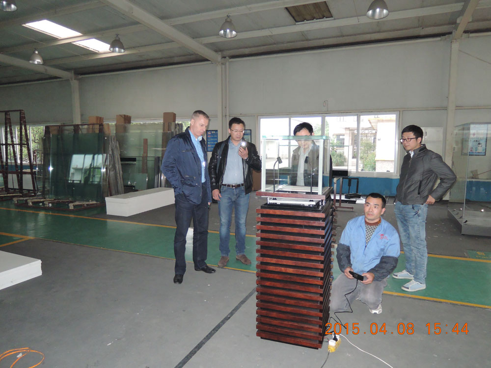 KAZ' president visited Relicase with general manager of Hyposis Mex